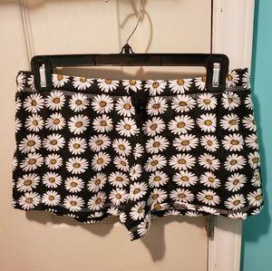 Pants - Black, White & Yellow Daisy shorts
